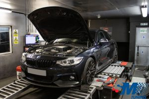 BMW 435i 2015 tuned on the rolling road