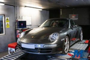 Porsche 911 (997) Carrera 2 tuned on the rolling road